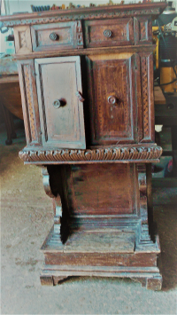Late 16th/early 17th cent Italian walnut cabinet