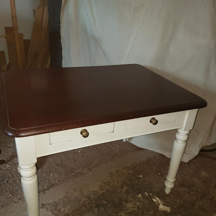 Country farmhouse kitchen preparation/side table